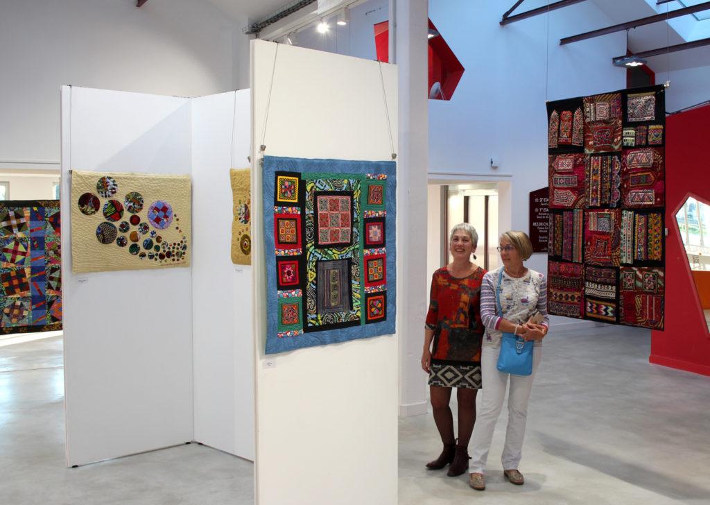 Carmen Amézaga lors de l'exposition Rive d'Arts